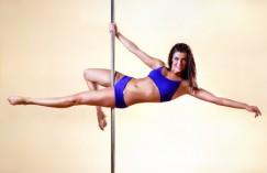 Štíhlá postava s Pole dance