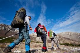 Jak zpevnit tělo pomocí turistiky?