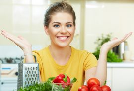 Čeho jíst méně, abyste zhubli? Tuků nebo sacharidů?