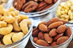 Pomáhají ořechy při hubnutí?